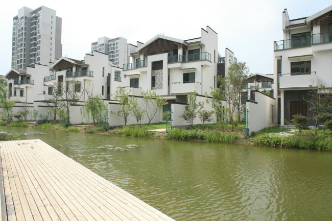 其它模板 其他模板 > 城市建筑风景  关键词: 常州建筑 长岛别墅白天