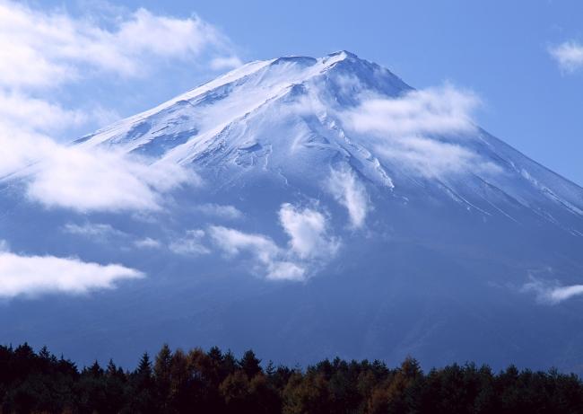 > 富士山风景图片  关键词: 富士山 山峰 火山 自然景观 荒山 风景画