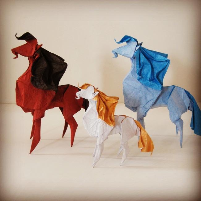 > 手工折纸艺术/马  关键词: 手工折纸 折纸艺术 小手工 折纸动物